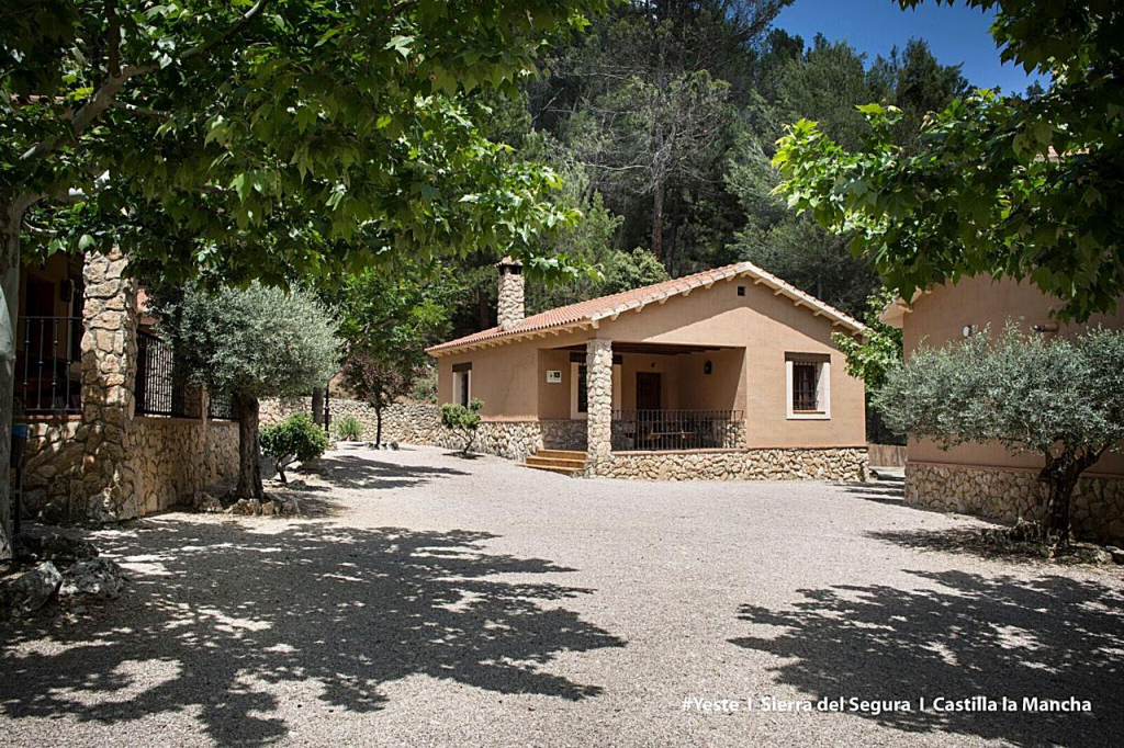 Casas Rurales Batan de Rio Tus