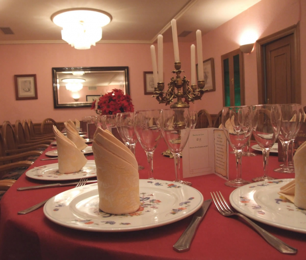 Detalle mesa de banquete