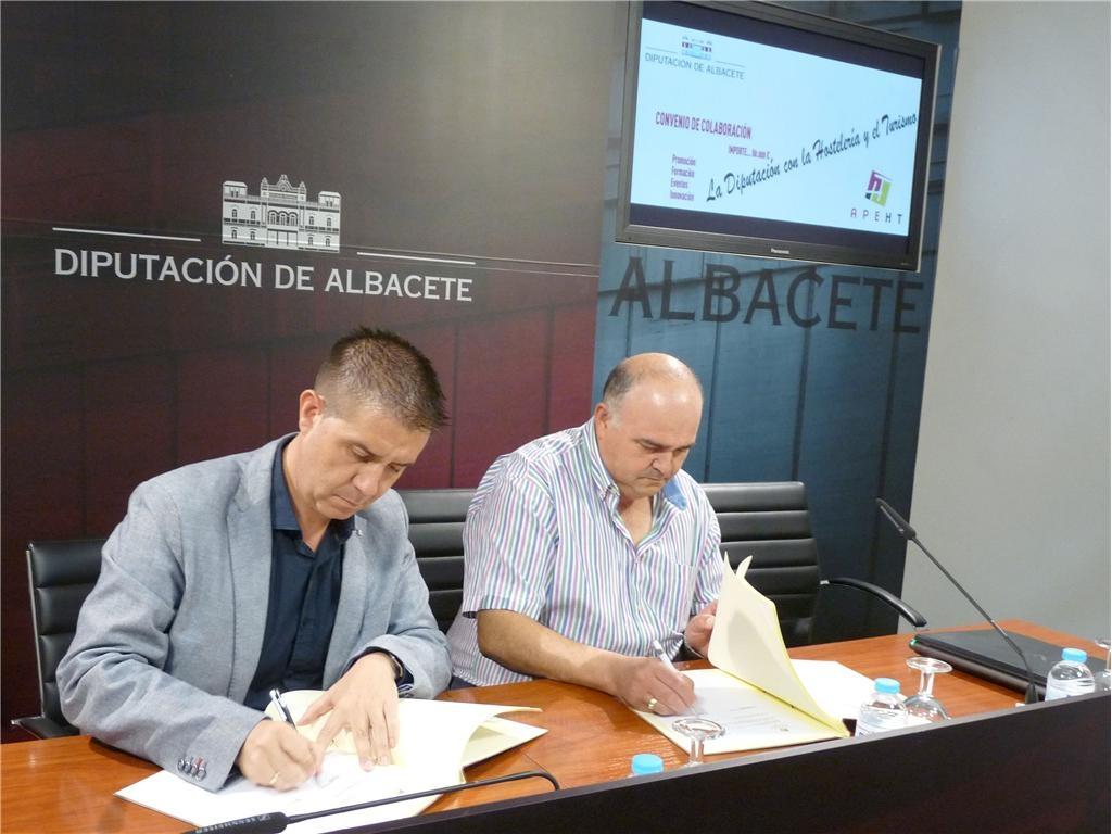 Convenio de colaboración entre la Diputación y la APETH para el desarrollo del sector hostelero en la provincia
